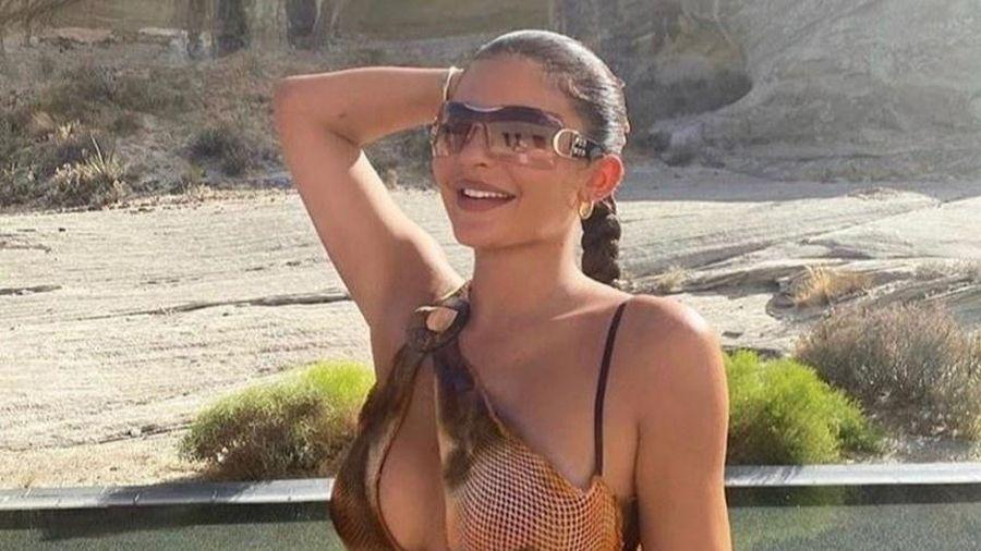 Kylie Jenner bị tố kỳ thị người da màu khi mặc đồ không gắn tên hãng