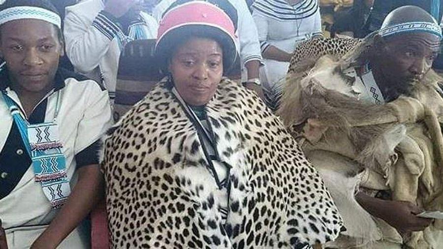 Nữ hoàng vương quốc ở Nam Phi qua đời vì Covid-19