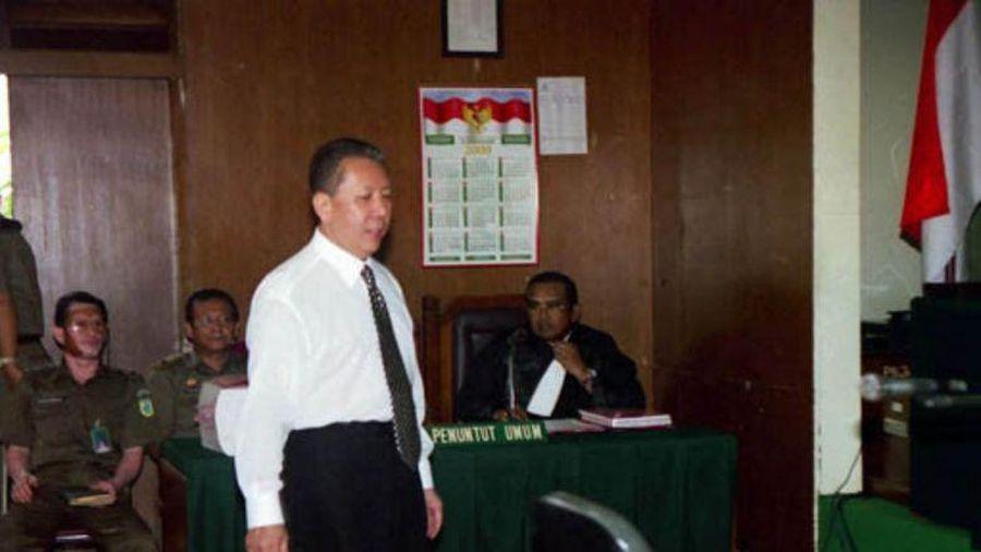 Trùm đào tẩu 'Joker' biến hệ thống pháp luật Indonesia thành trò cười