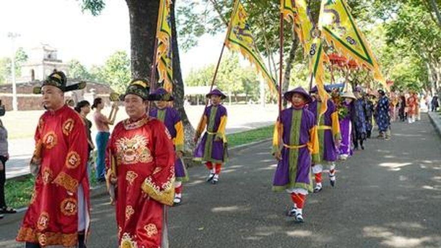 Tri ân vị chúa Nguyễn có công định hình áo dài dân tộc