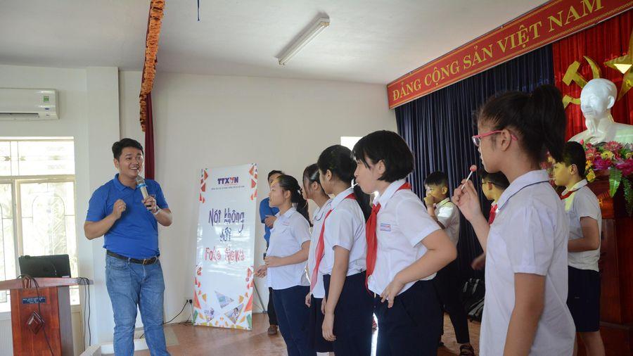 Học sinh Đà Nẵng tiếp cận chương trình 'Nói không với Fake News''