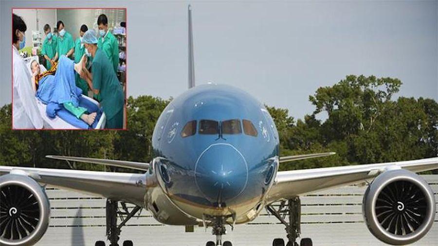 Nội soi 'siêu máy bay'chở bệnh nhân phi công Anh về nước