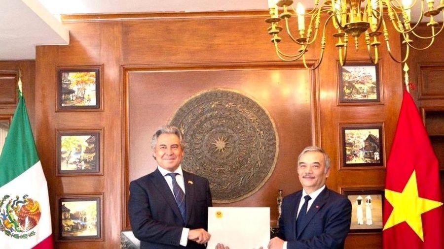 Trao quyết định bổ nhiệm lãnh sự danh dự tại Mexico