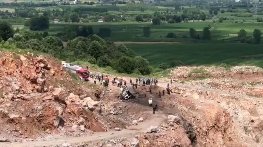 Xe quân sự chở pháo hoa phát nổ kinh hoàng, 9 người thương vong