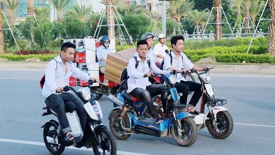 Bỏ đề xuất cấp giấy phép lái xe hạng A0 cho học sinh