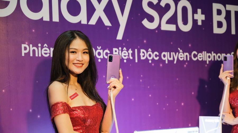Cellphone mở bán Galaxy S20+ BTS Edition thu hút hàng trăm khách hàng trong đêm