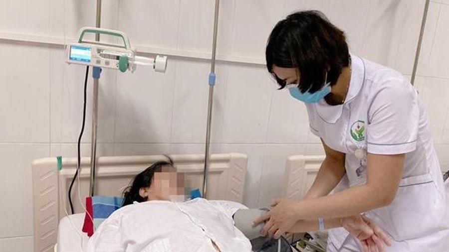 Cứu kịp thời người bệnh bị kẹt van nhân tạo do huyết khối