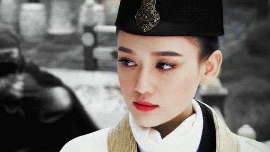 Điêu đứng trước vẻ đẹp 'khó giấu' của loạt mỹ nhân Hoa ngữ khi hóa soái ca