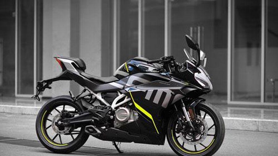 Môtô 300 phân khối, phanh ABS 2 kênh, giá 115 triệu ở Việt Nam, cạnh tranh với Yamaha YZF-R3