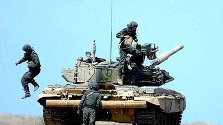 Lửa - đạn vô hại với lính tăng của Nga