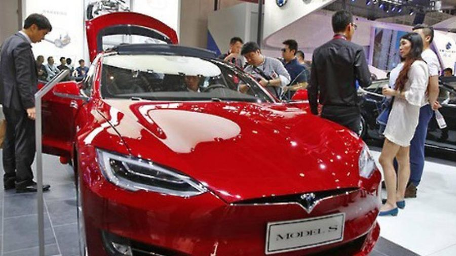 Nhà giàu, doanh nhân trẻ Hàn Quốc ồ ạt mua xe điện Tesla