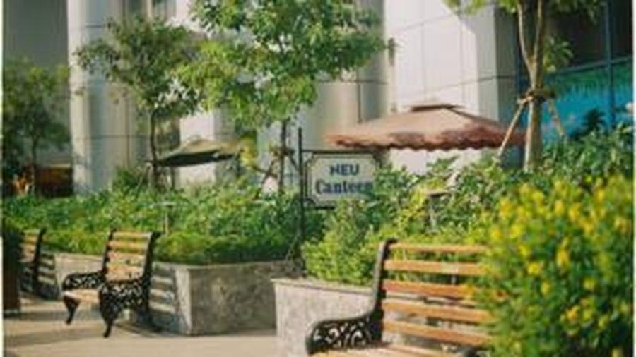 Đại học Kinh tế Quốc dân chơi lớn 'khai trương' tiệm nail trong trường