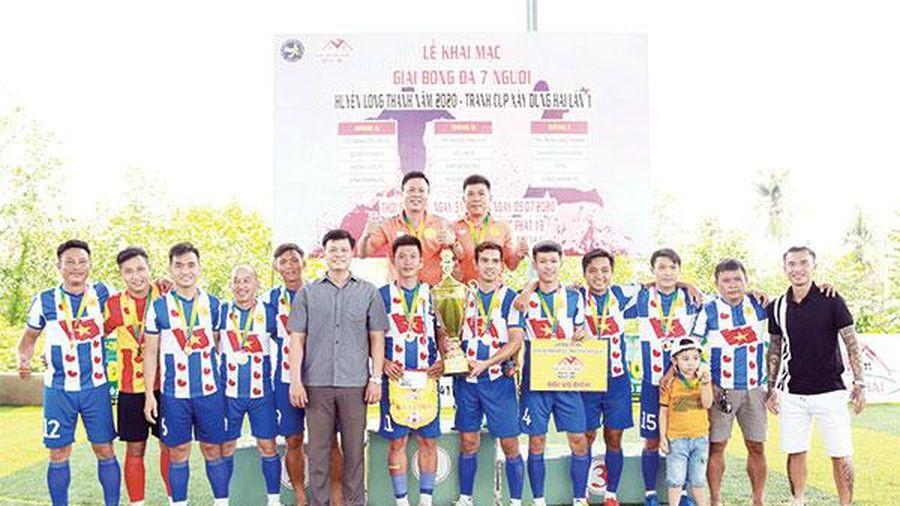 Doanh nghiệp trẻ Đồng Nai vô địch Giải bóng đá 7 người H.Long Thành