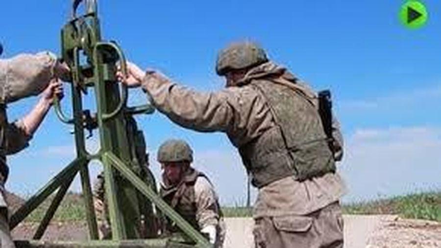 Clip: Xem pháo binh Nga triển khai diệt mục tiêu rồi rút đi 'thần tốc'