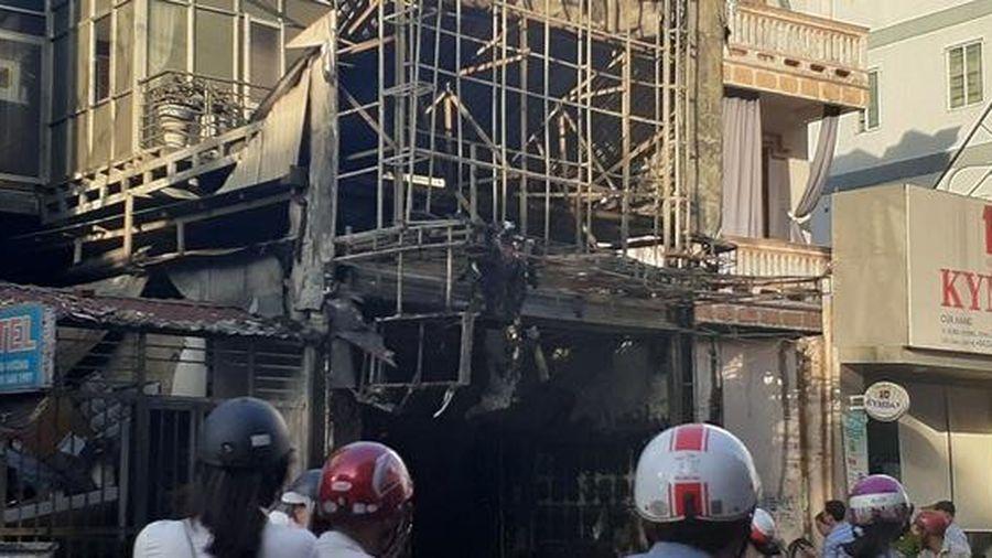 Thừa Thiên Huế: 'Bà hỏa' thiêu rụi cửa hàng quần áo trên đường Hùng Vương