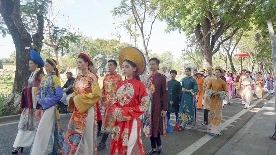 Chúa Nguyễn Phúc Khoát - người 'khai sinh' áo dài Việt Nam