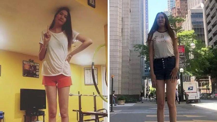 Cô gái có đôi chân dài thứ hai thế giới