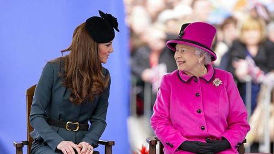 Không ngờ Công nương Kate từng bí mật liên kết với Nữ hoàng để 'đối phó' với Meghan
