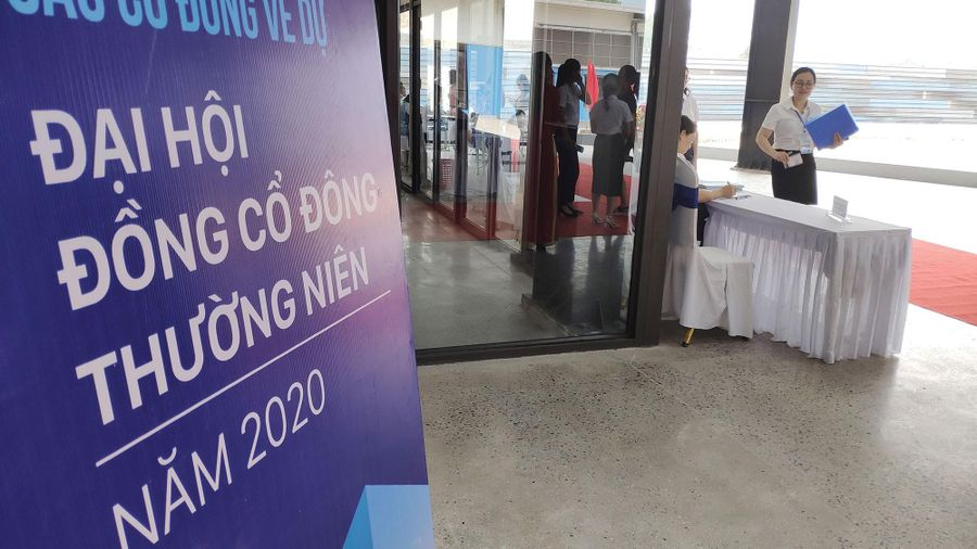 Đại hội muộn, doanh nghiệp có gì cho 2020?