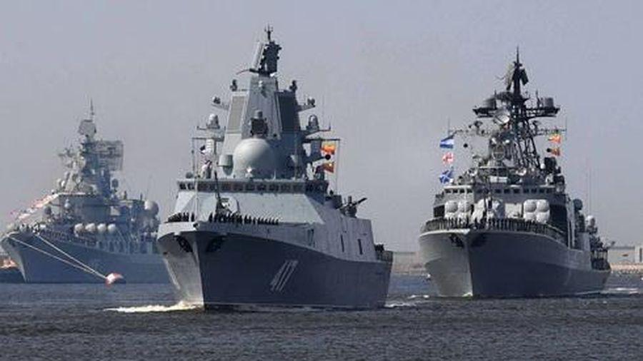 Một tàu ngầm Đức đối đầu 7 tàu chiến Nga ngoài khơi Latvia