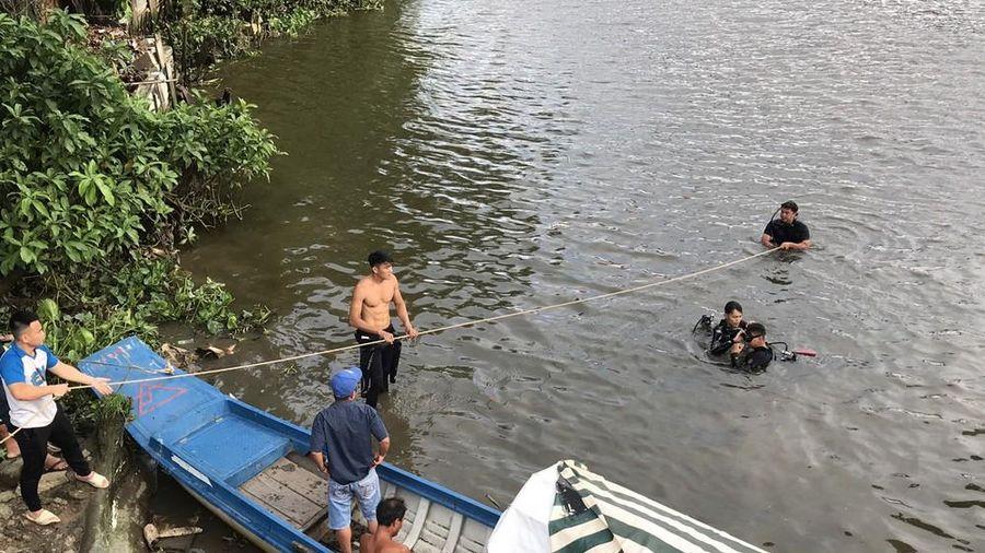 Người đàn ông ngã xuống sông tử vong khi câu cá ở sông Sài Gòn
