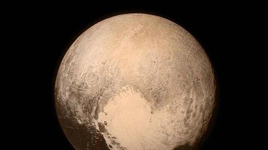 Có sinh vật sống ở sao Diêm Vương?
