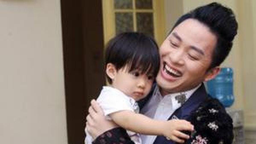Tùng Dương viết 'tâm thư' gửi vợ kỉ niệm 10 năm ngày cưới