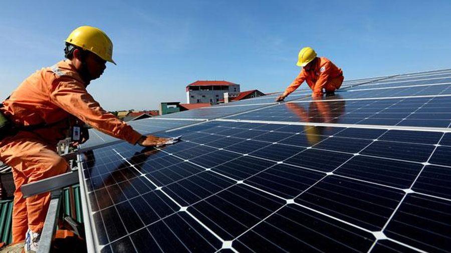 Nhiều tiện ích khi lắp điện mặt trời mái nhà