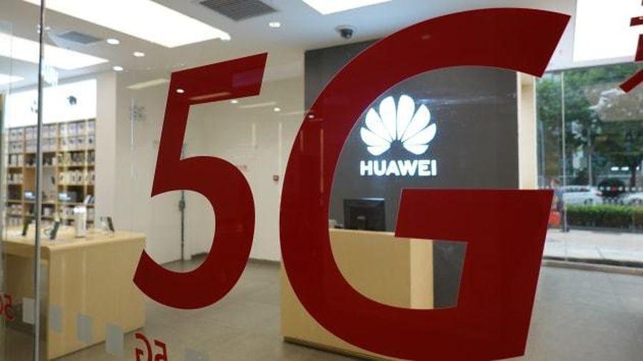 Huawei nín thở chờ quyết định từ Anh