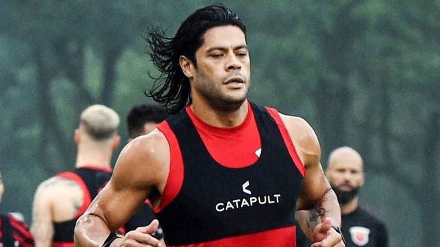 Hulk tăng cân quá đà trong ngày hội quân