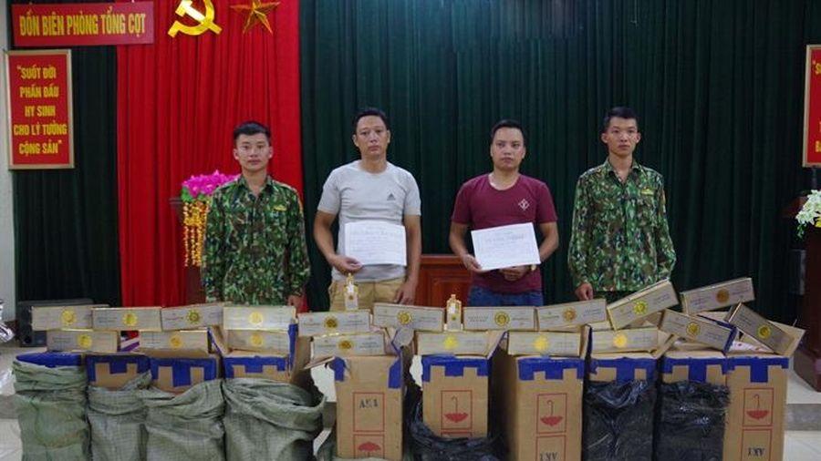Thuê ngựa thồ 5.000 gói thuốc lá lậu sang Trung Quốc
