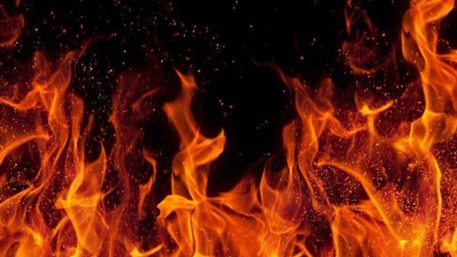 Hà Nội: Cháy xưởng sản xuất mũ bảo hiểm tại huyện Hoài Đức