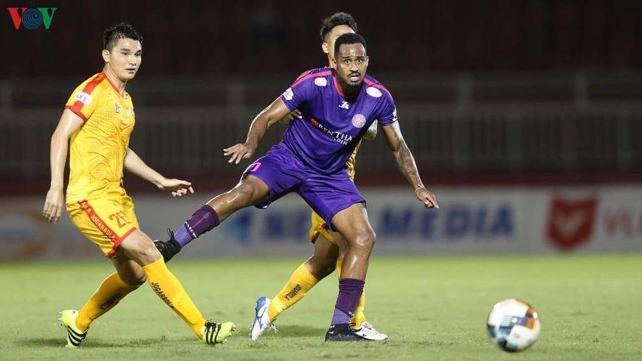 Đội đầu bảng mất 'trọng pháo' ở vòng 10 V-League 2020