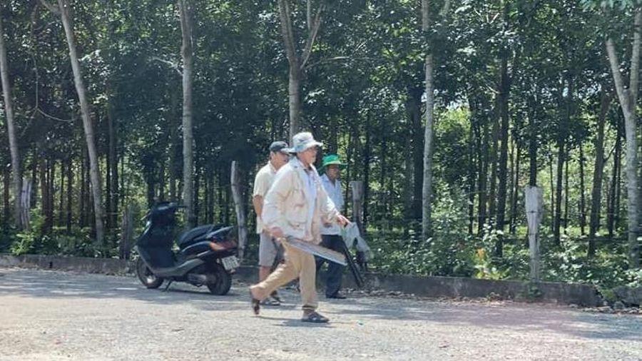 Người đàn ông cầm mã tấu đuổi chém phụ nữ đi đường - Báo VTC News