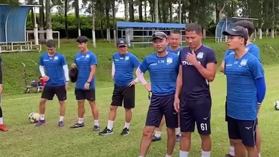 Tiền đạo Anh Đức mang áo 61, ra mắt HAGL trong buổi tập đầu tiên
