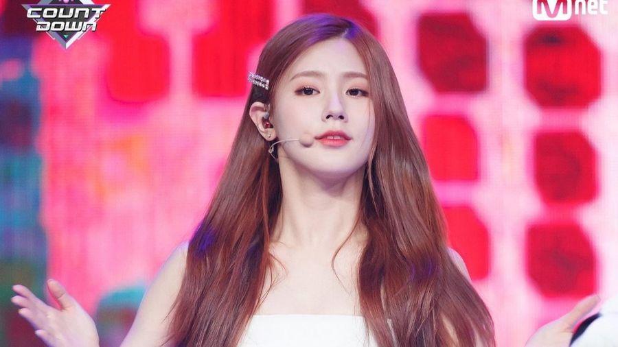 Mỹ nhân Hàn trông xinh như công chúa khi diện váy áo trắng