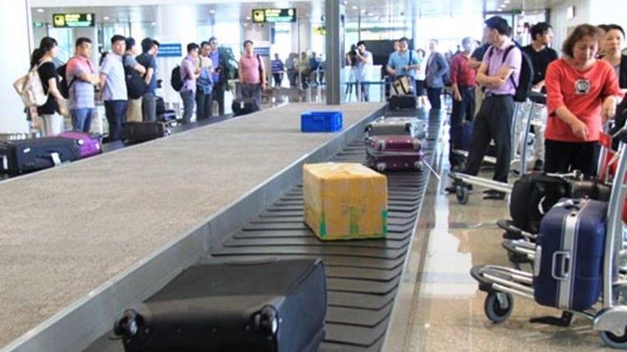 Nữ hành khách bị hành hung ngay trong sân bay Tân Sơn Nhất