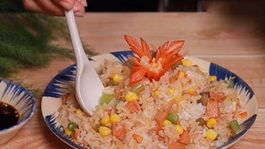 Quên món cơm trắng truyền thống đi, đây mới là cách nấu cơm nhanh, gọn, lẹ được cả nhà thích mê