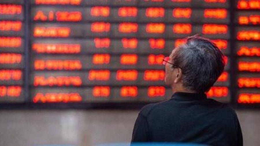 GDP Trung Quốc tăng vượt dự báo, chứng khoán vẫn 'bốc hơi' mạnh