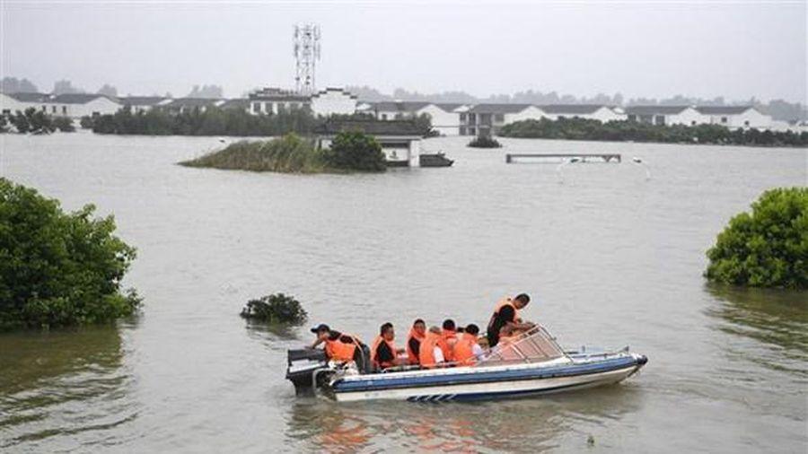 Thường trực Ban Bí thư thăm hỏi tình hình lũ lụt tại Trung Quốc