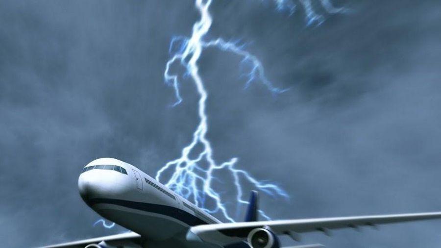 Điều gì xảy ra nếu máy bay bị sét đánh trúng?