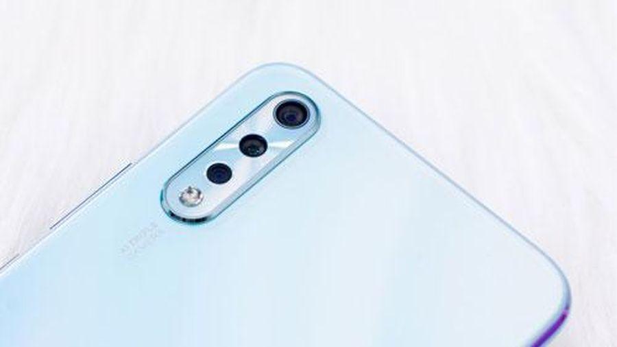 Smartphone 3 camera sau, pin 4.500 mAh, RAM 6 GB giảm giá mạnh tại Việt Nam