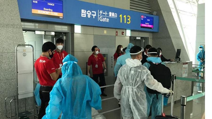 Đưa 230 công dân Việt Nam từ Hàn Quốc về nước