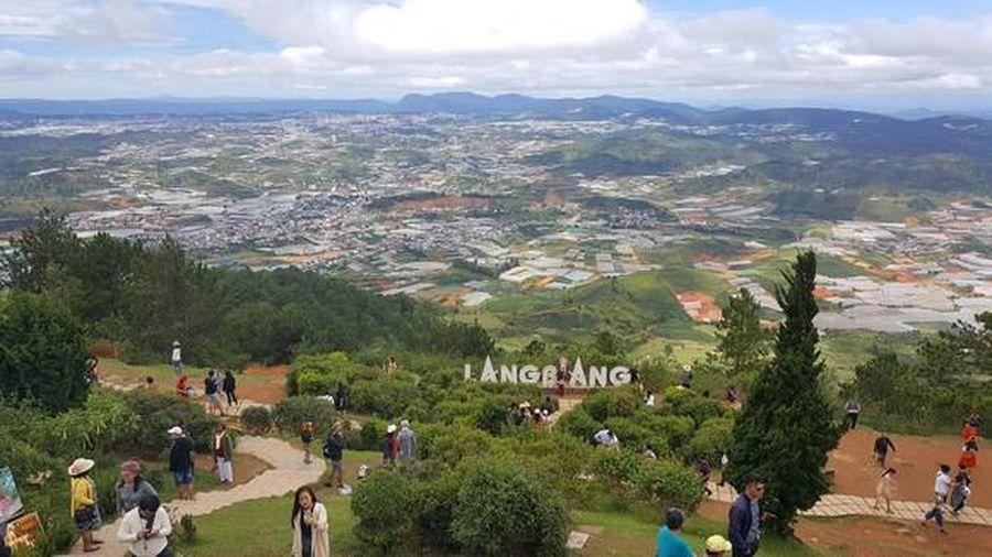 Lên đỉnh Langbiang