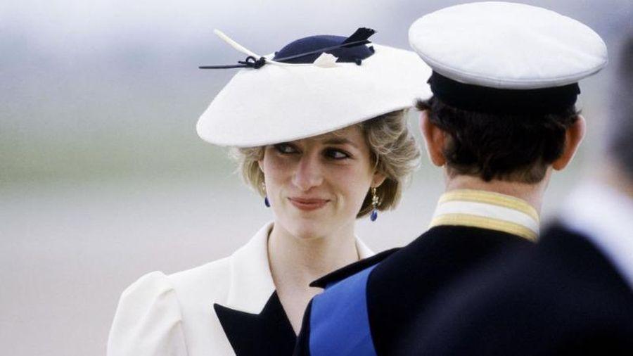 Tiết lộ lý do đau lòng khiến Công nương Diana không mang đồ Chanel