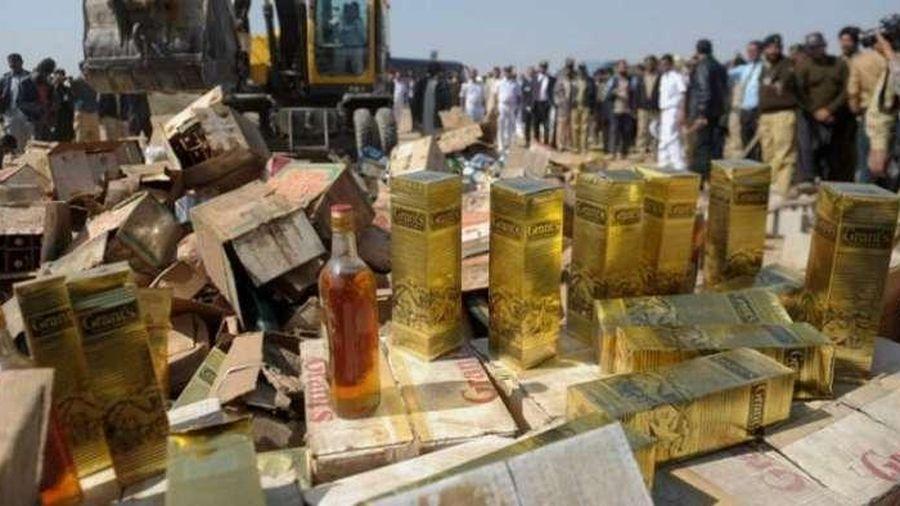 Ấn Độ: Hơn 80 người thiệt mạng do uống phải rượu lậu
