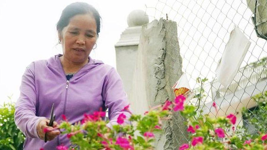 Người phụ nữ Mường hiến hơn 1.000m2 đất để mở đường, xây trường học nông thôn