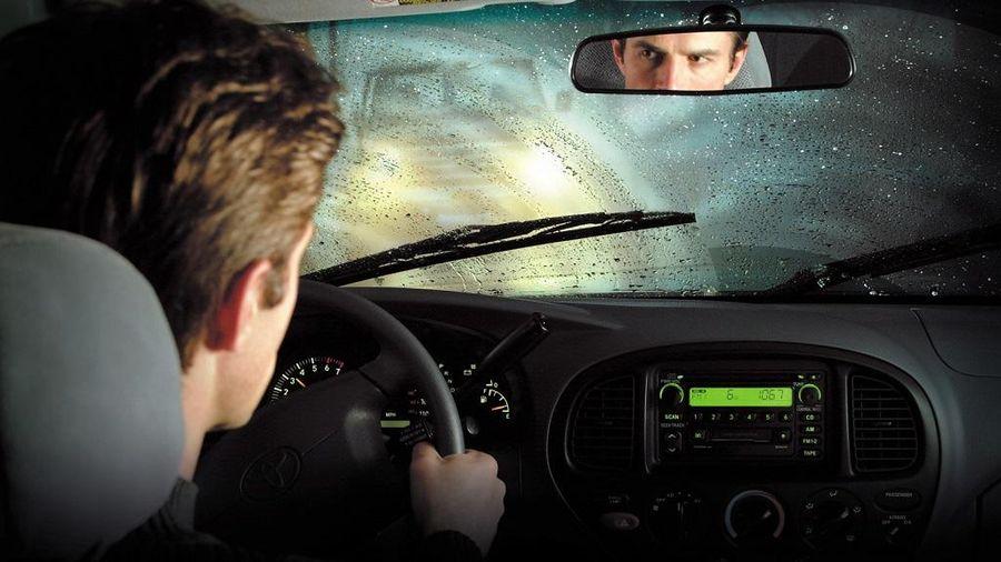 Kinh nghiệm lái xe ô tô an toàn dưới trời mưa bão