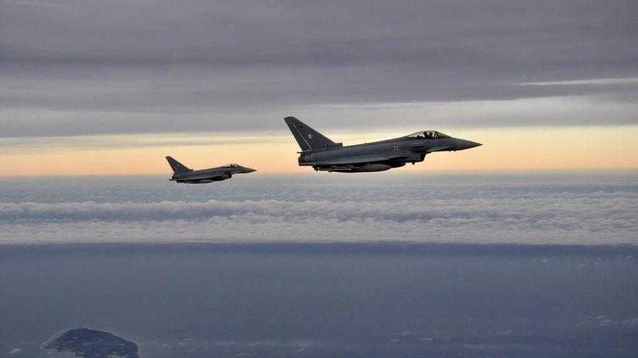 Pháp và Đức muốn ngừng phụ thuộc vào công nghệ vũ khí Mỹ