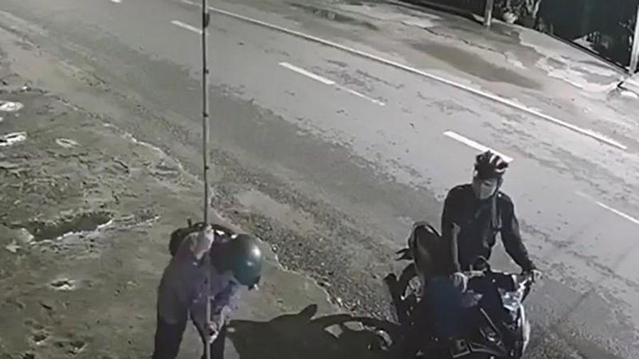 Củ Chi: Camera ghi cảnh kẻ trộm chó Pitbull gần 40 kg